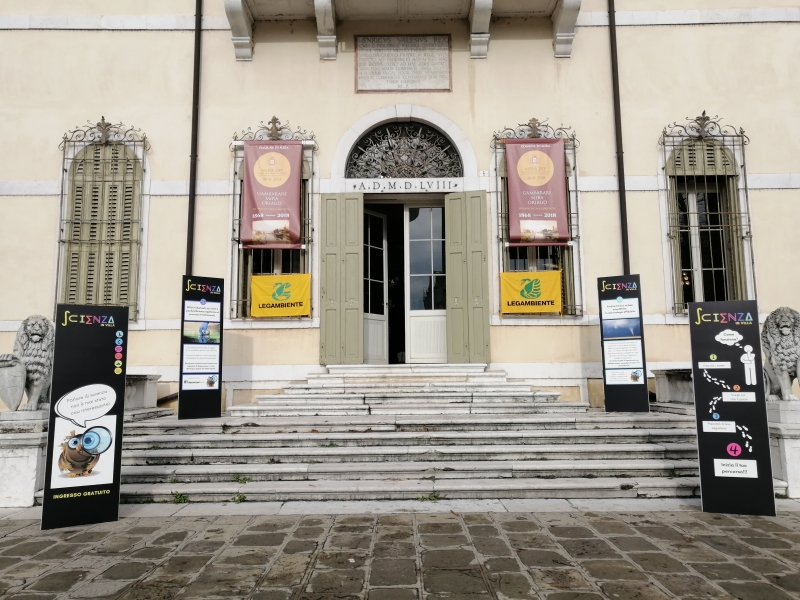 "The marine litter issue  presented at ""Scienza in Villa"""